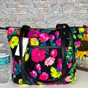 SALE🚨🆕 Vera Bradley Small Trimmed Vera Tote Bag